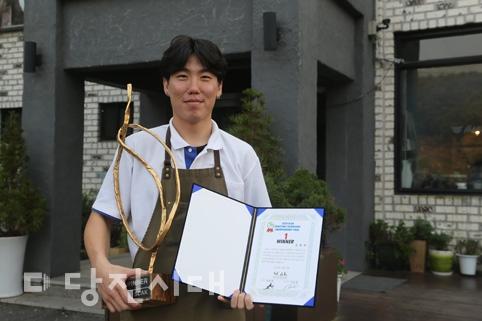 커피 로스팅 챔피언십 우승한 손완규 씨(정미면 덕마리) 커피를 맛있게 요리하는 최고의 로스터