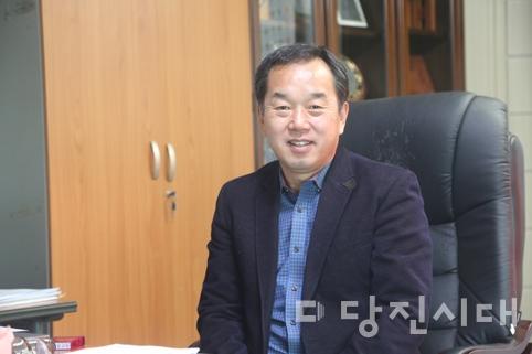 """[인터뷰] 당진시 첫 민간면장으로 당선된 최기환 씨 """"사회복지회관·문화센터 통합 건립"""""""
